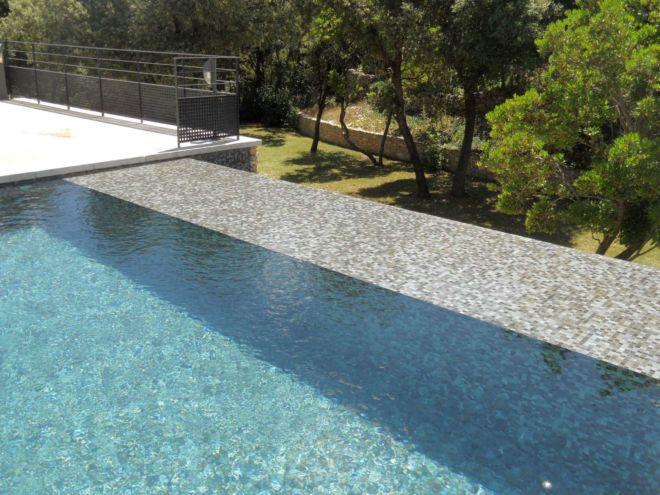 34-piscine-debordement-carrelage-web